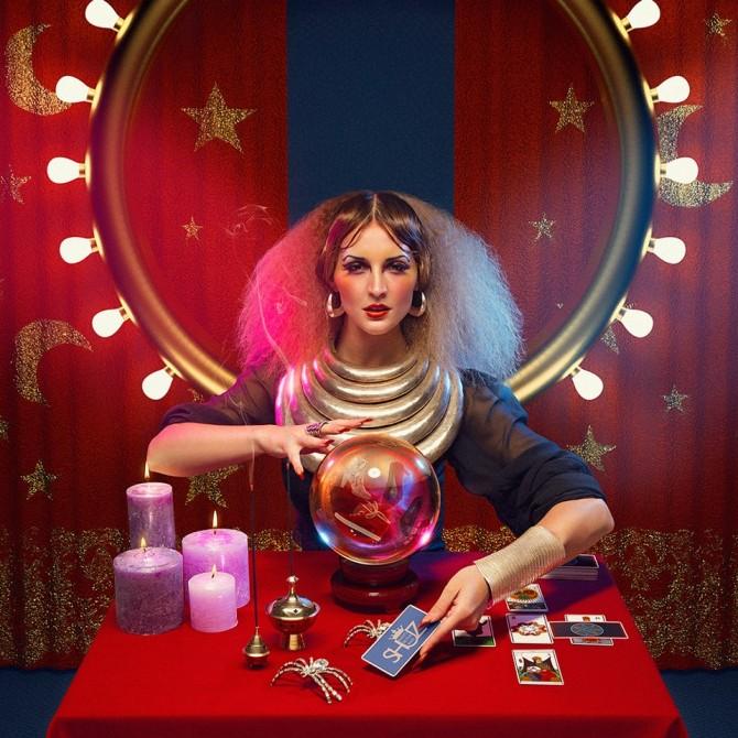 cirque-de-shuz-dennis-veldman-the-fortune-teller-shuz-ad-campaign-2012-670x670